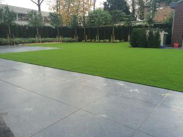 Kunstrasen Rasenteppich Beispiel Gartengestaltung