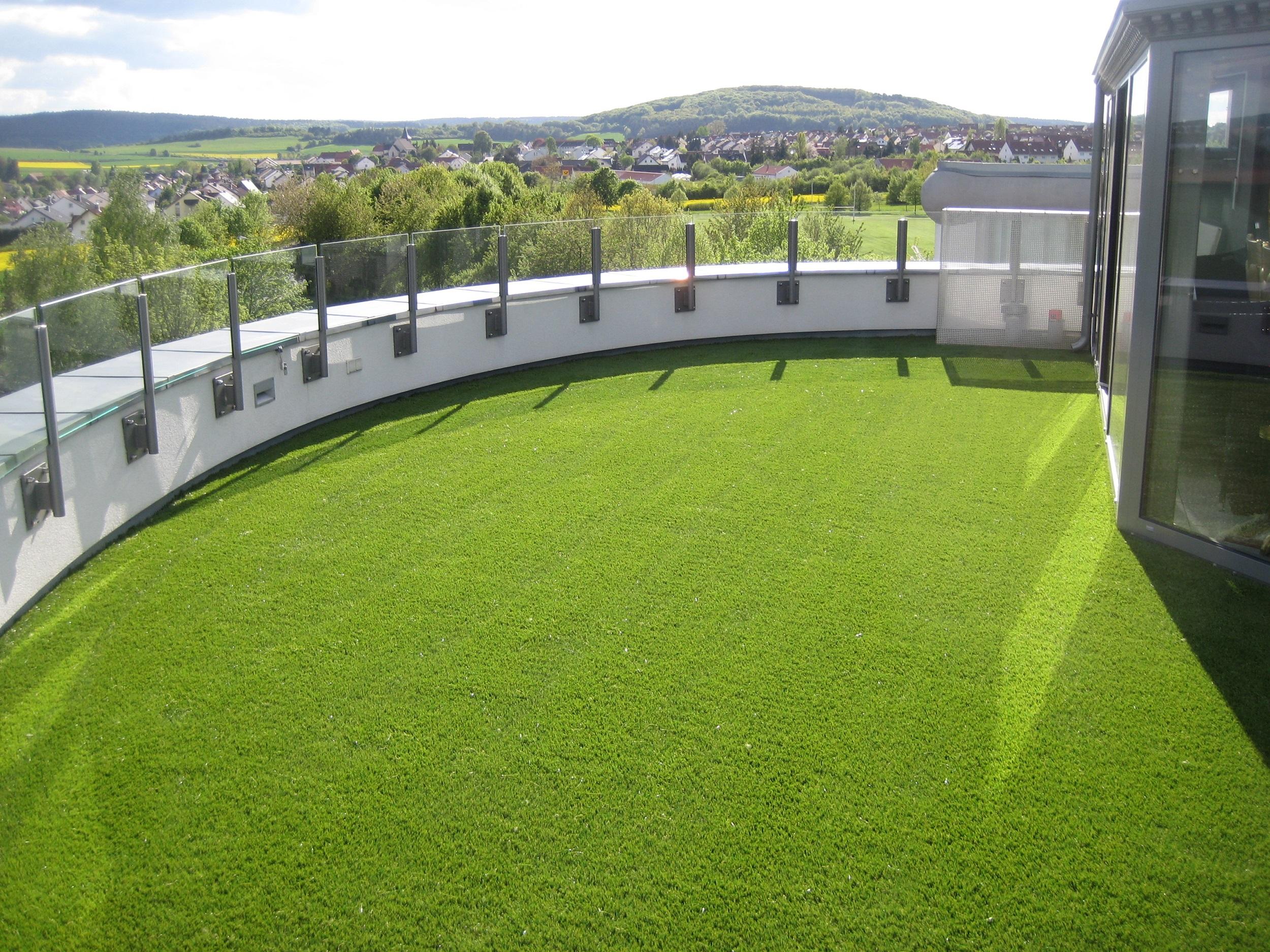 Kunstrasen Balkon Beispiel Idee