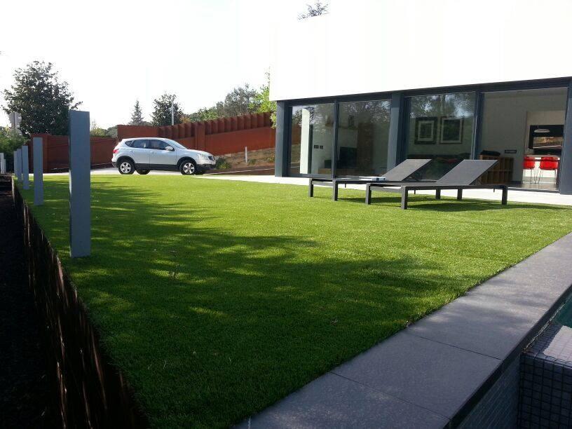 Kunstrasen-Beispiel in einem modernen Haus